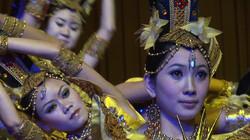 Beijing-traditional dancers - 05