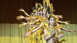 Beijing-traditional dancers - 03
