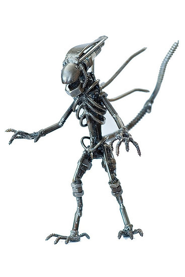 Alien Stehend