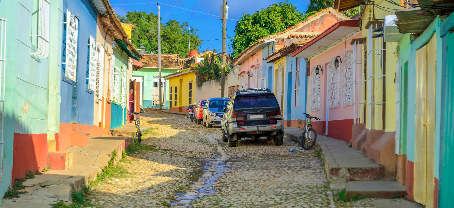 Walking through the colorful streets of DR