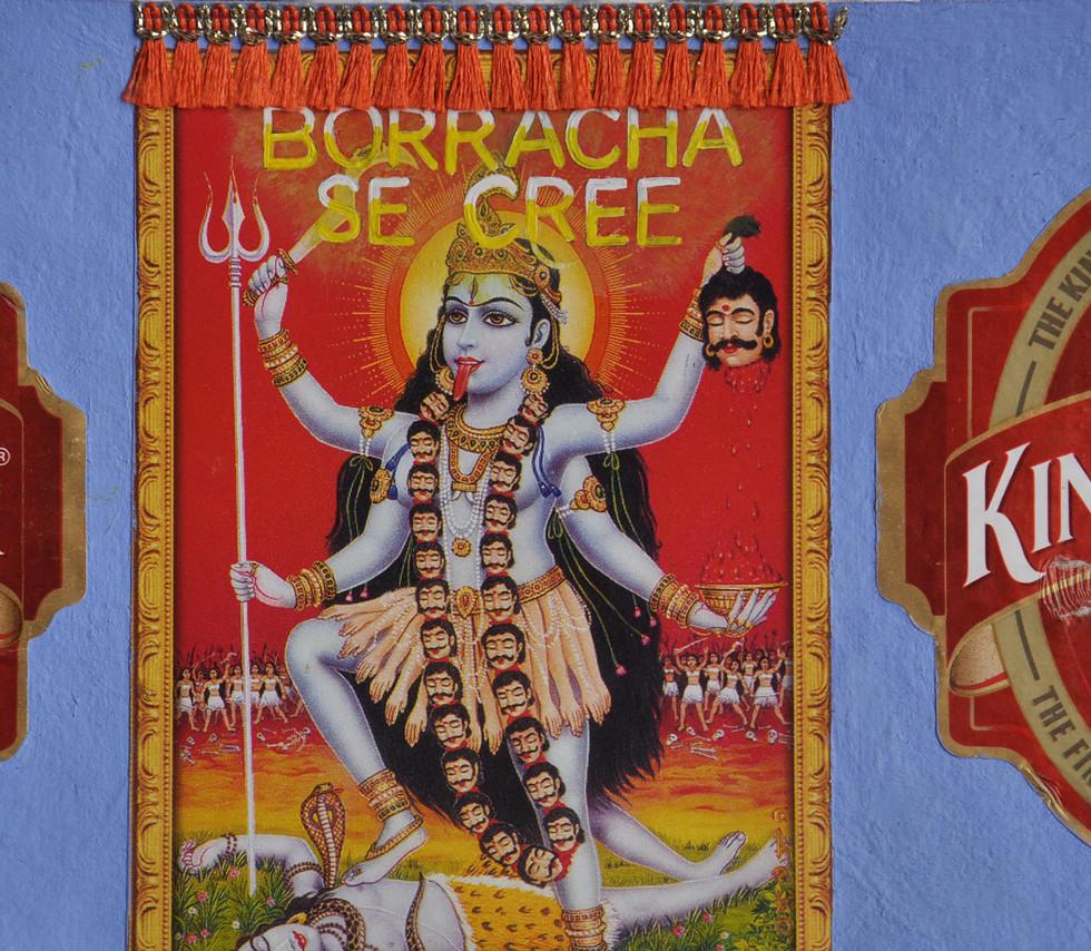 Borracha se cree Kali