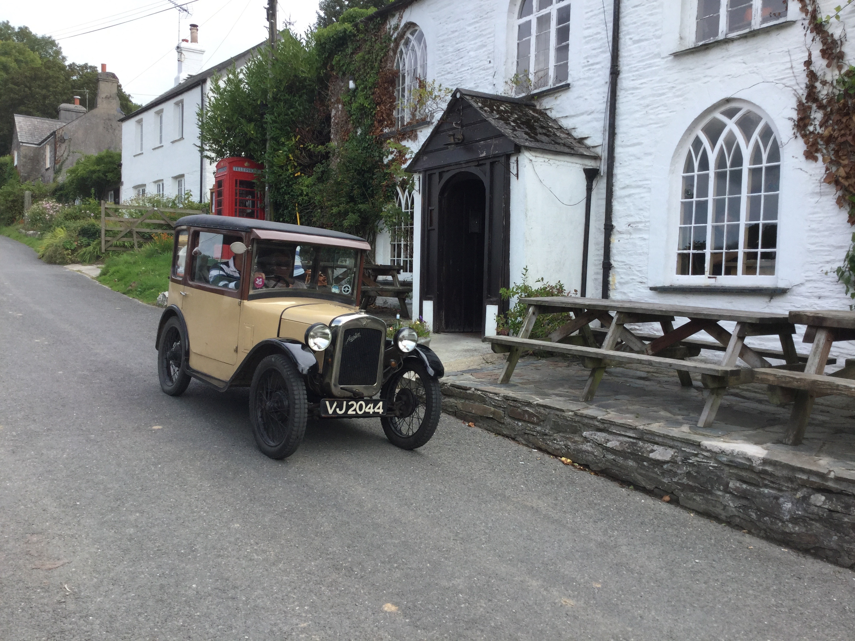Car rally at the pub