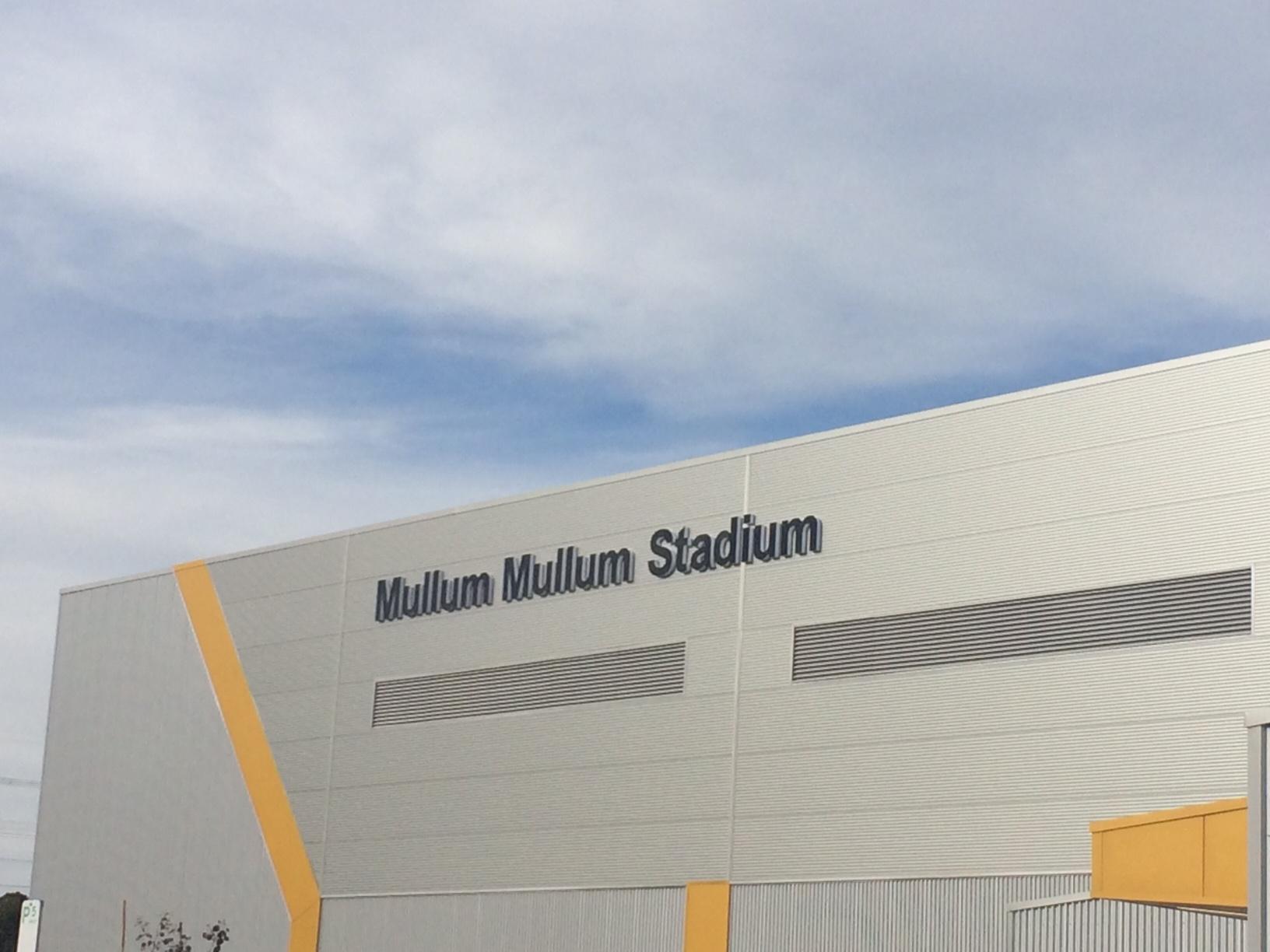 MULLUM MULLUM STADIUM, DONVALE