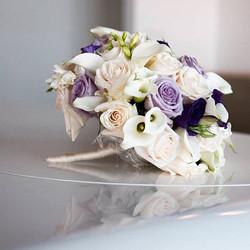 One of my favorite shots of Sandra's bouquet ... clean, crisp, modern
