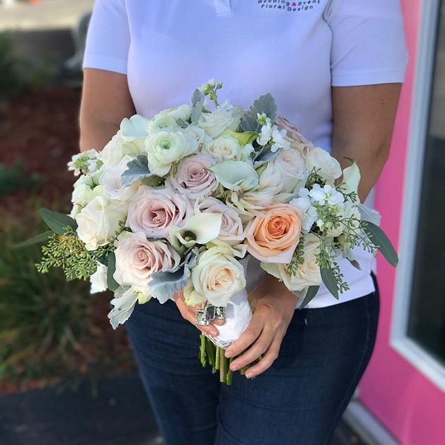 Its a beautiful day for a wedding !!! 💕🌺💍👰🏼 #wed #wedding #weddings #njwedding #nybride #bride
