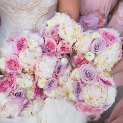Bridesmaid bouquets #wedding #weddings #decorgalore #weddingflowers #bride #roses #hydrangea #peonie