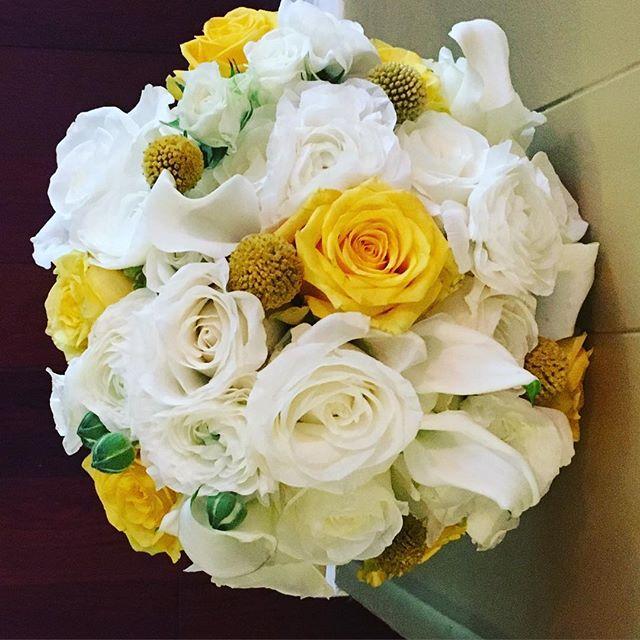 Beautiful blooms for Virginia's bouquet 💕🌺 #wed #wedding #bride #groom #bridal #weddingdecor #wedd