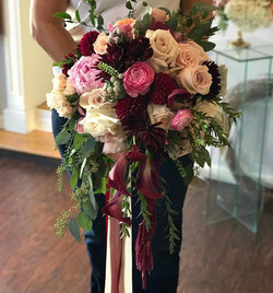 My kind of Bridal Bouquet - Big, Full, Bold, Loaded with Texture and Gorgeous Color 💕🌺💍👰🏼 #wed