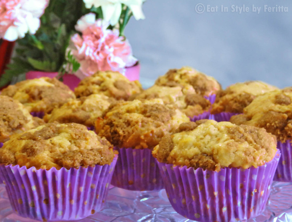 Apple & Spice Streusel Muffins