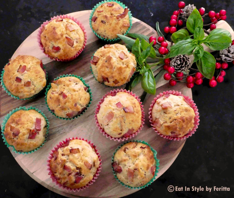 Maple Bacon & Cheese Apple Muffins