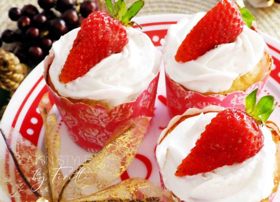 Semolina Cupcakes with Coconut Cream Frosting