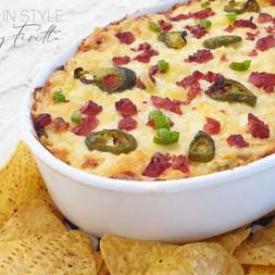 Baked Cheesy Bacon & Jalapeno Dip