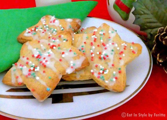 Spiced Christmas Cookies with Lemon Drizzle Icing