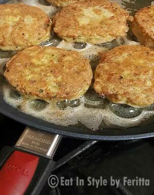 Cutlets frying in Woll Pan
