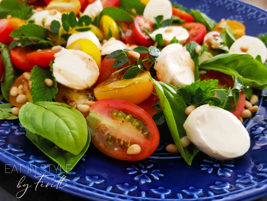 Tomato & Herb Holiday Salad