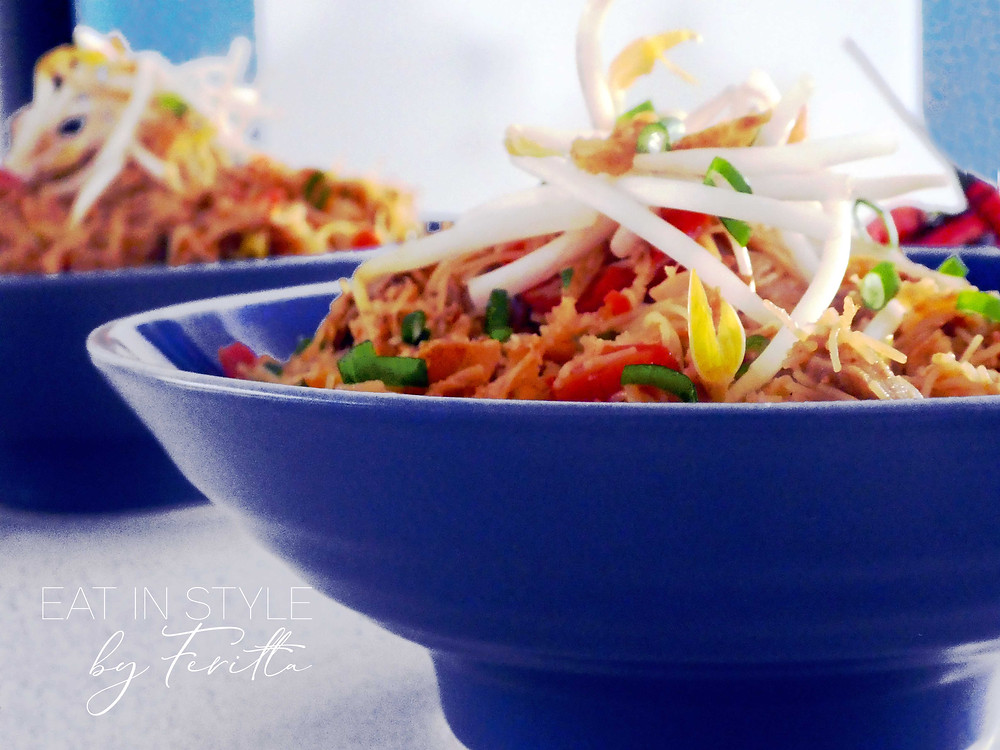 Chicken And Pork Asian Noodles - Eat In Style by Feritta