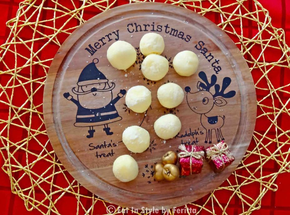 Lemon & Coconut Snowballs