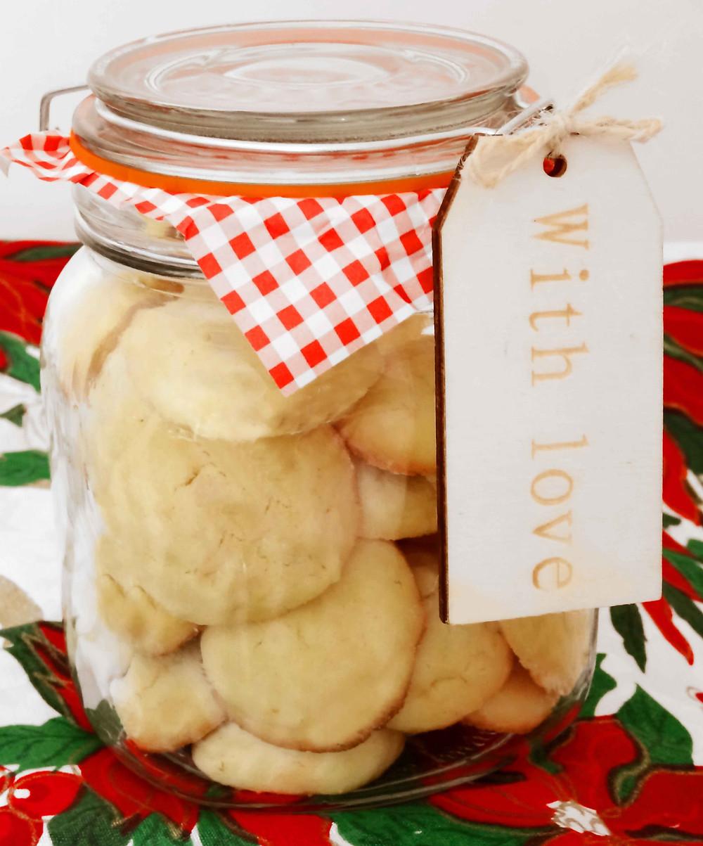 Greek Butter Cookies - a lovely good gift idea!