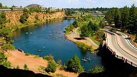 floating-and-tubing-1600.VisitOregon.jpg