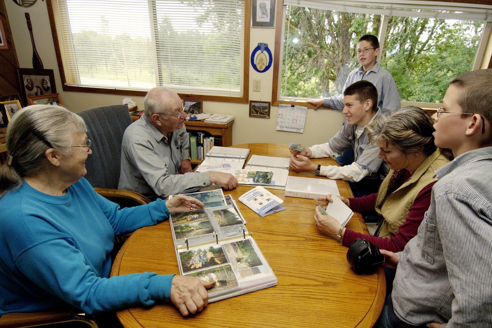 Sisock_Wolverton_2006_FamilyMeeting