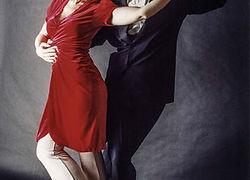 rotraut-rumbaum-tangocoach-pose.jpg