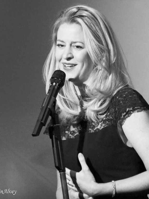 Minda Larsen singing