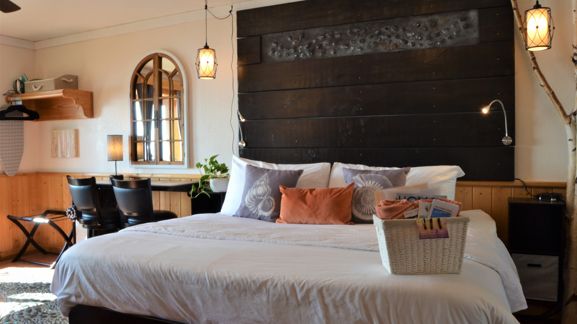 Oceanfront King Rooms.JPG