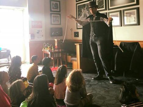 Alan Q Kids magician 5.jpg