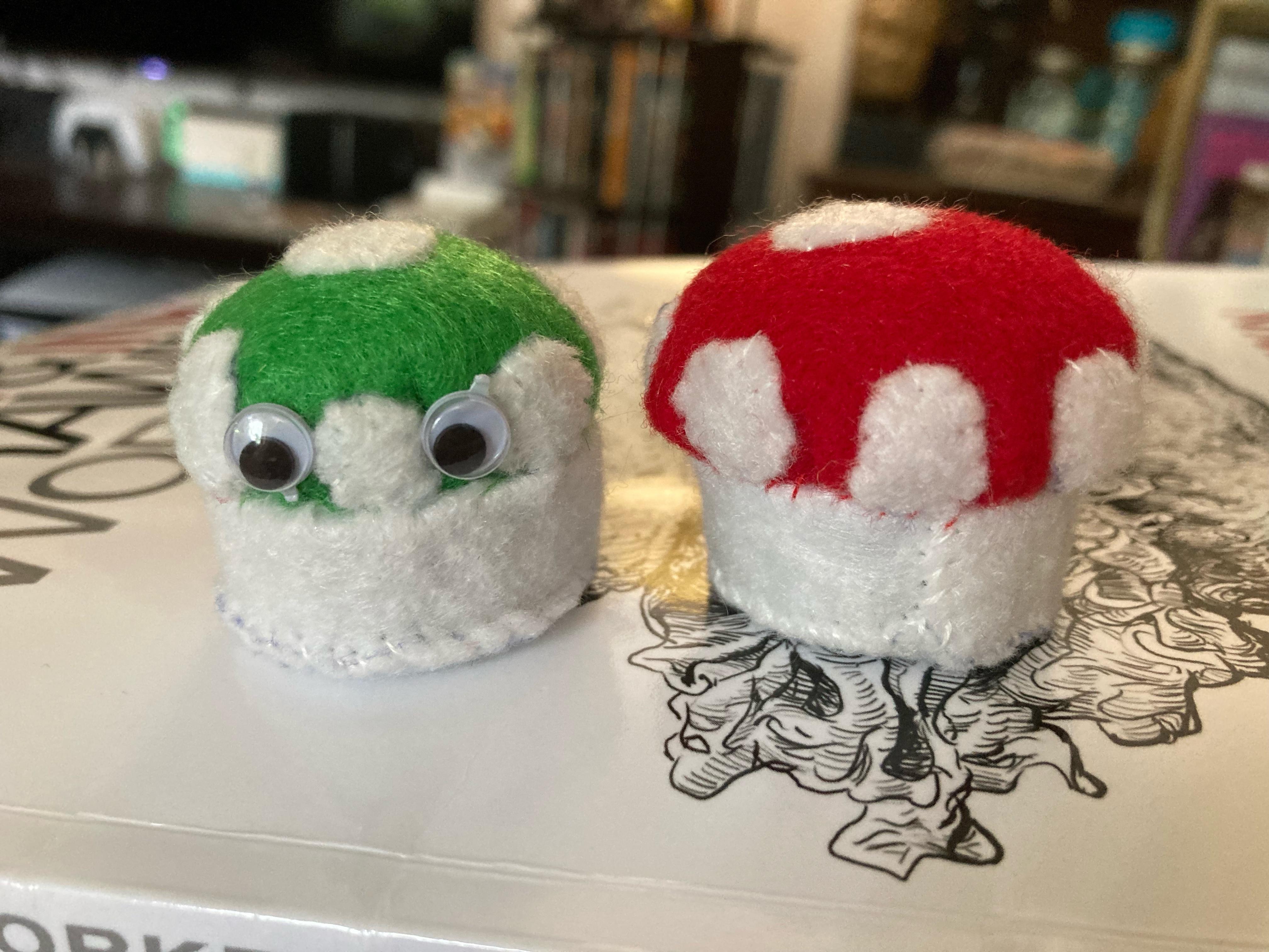 Artistic Sewing: Mushroom Pincushions