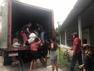 Ajuda a famílias de Nova Sepetiba