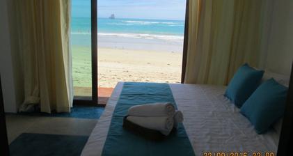 Cormorant-beach-hotel-2.png