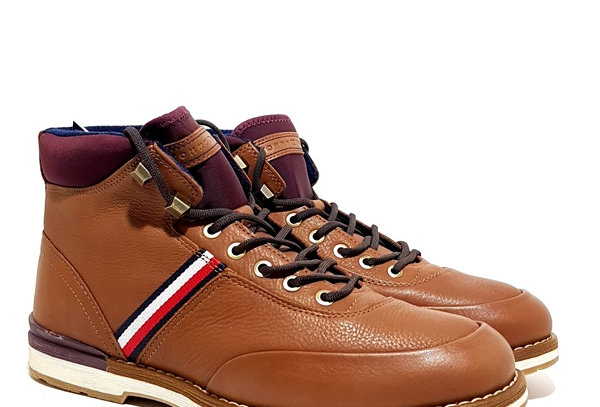 TOMMY HILFIGER OUTDOOR CORPORATE LEATHER BOOT FM0FM02534-GVI