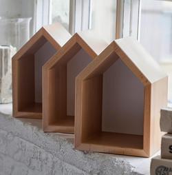 полочки в детскую в форме домиков