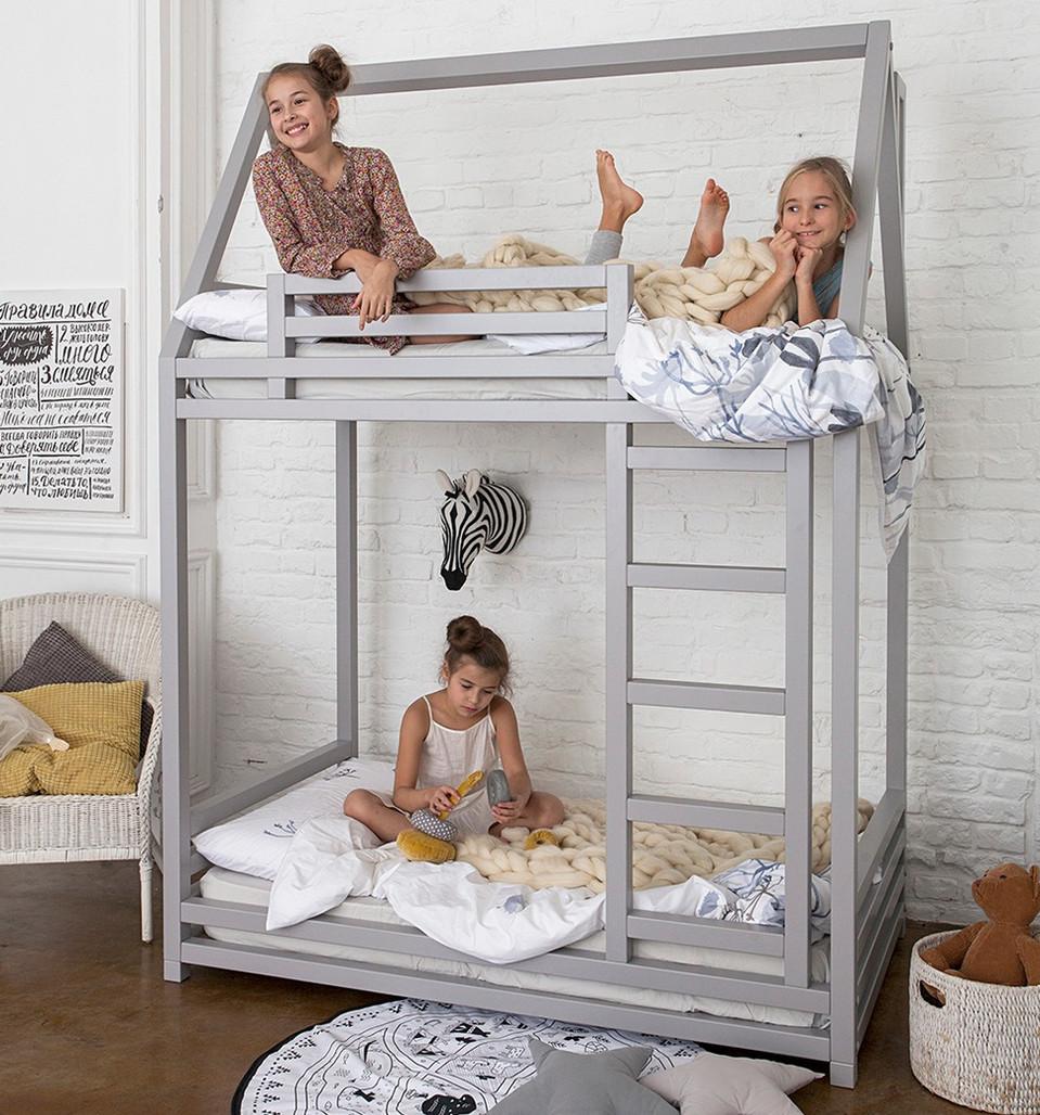 двухэтажная кровать для сестер