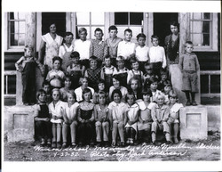 Class Picture in 1932
