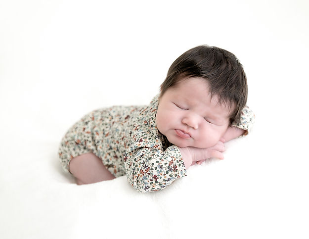 Savannah - Newborn-31.jpg