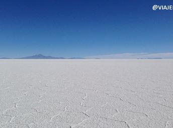 Salar do Uyuni, o gigantesco deserto de sal da Bolívia