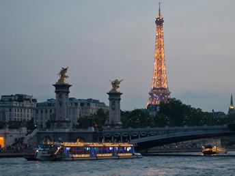 Cruzeiro pelo Sena: o jeito mais charmoso de conhecer Paris