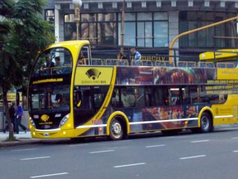 Ônibus turístico em Buenos Aires