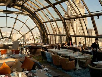 Conheça 32 restaurantes com vistas incríveis pelo mundo