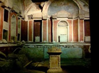Necrópole e túmulo de S. Pedro: o tour secreto do Vaticano