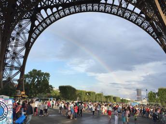 Como subir na Torre Eiffel sem pegar as filas gigantescas