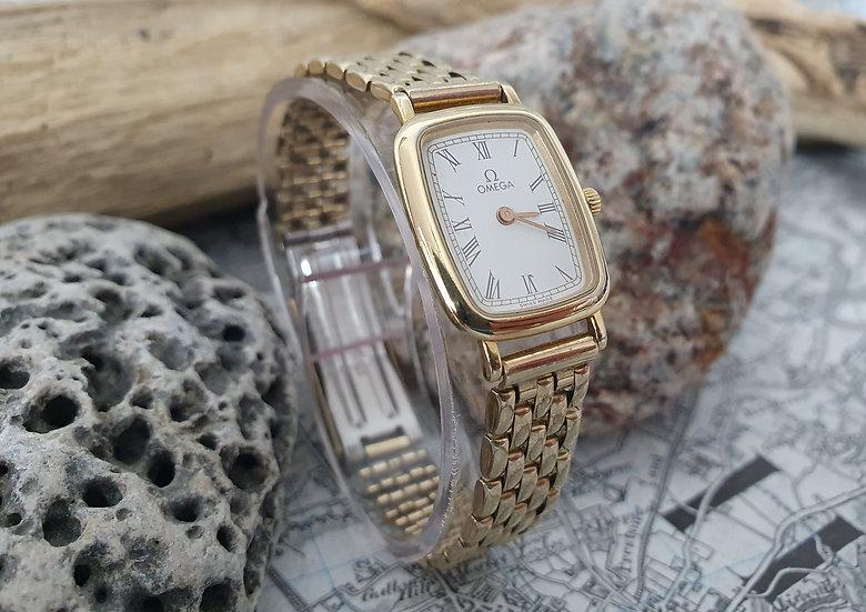 Lovely Omega De Ville ladies wristwatch. Ref 595.0099