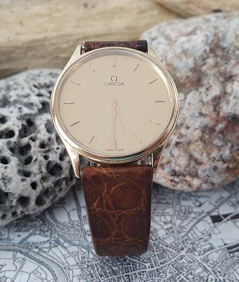 Vintage Omega De Ville gentleman's wristwatch in 9k yellow gold