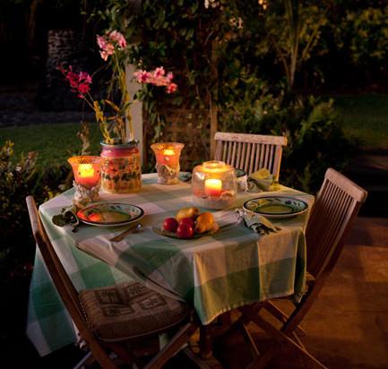 Enjoy meals outside or in