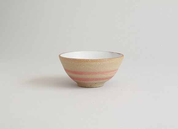 Dipping bowl with coral slip