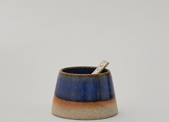 Blue condiment pot with ceramic spoon