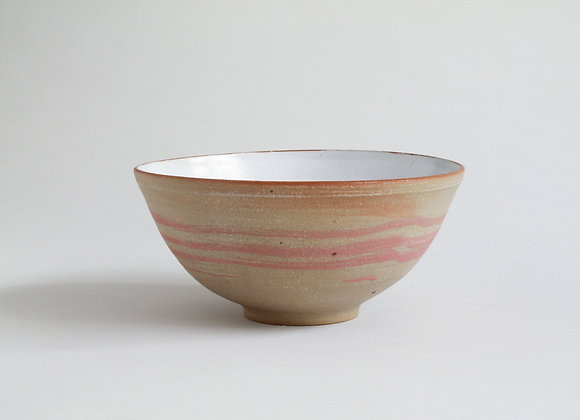 Everyday bowl with brushed coral slip