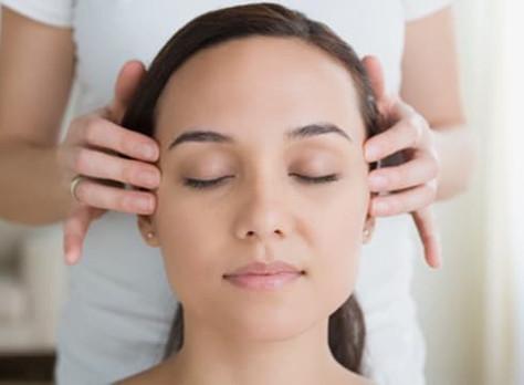 Massage ayurvédique crânien et facial