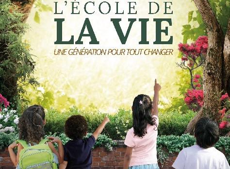 """Projection du film """"L'école de la vie, une génération pour tout changer"""", de Julien Pe"""